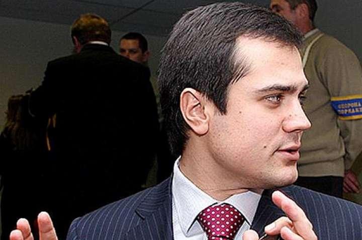 <p>Дениса Комарницького називають «смотрящим» за Києвом</p> — Будівельна мафія: оточення «смотрящого» за Києвом планувало забудувати 2 га на Печерську