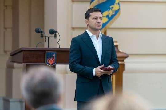 Президент нагородив двадцятьох рятувальників за мужність