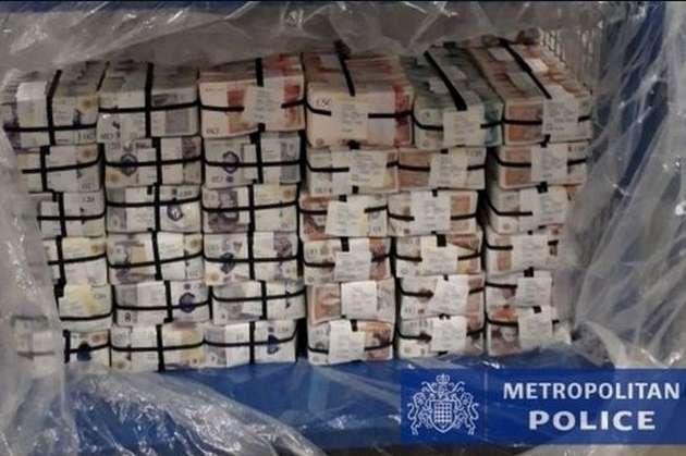<p>Європейські силовики затримали понад тисячу людей, вилучили зброю, мільйони фунтів і євро, тонни наркотиків</p> - Європол відзвітував про викриття найбільшої в історії злочинної групи