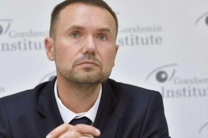 <p>Сергій Шкарлет звинуватив журналістів в упередженості</p> - Міністр освіти Шкарлет відповів на звинувачення у плагіаті
