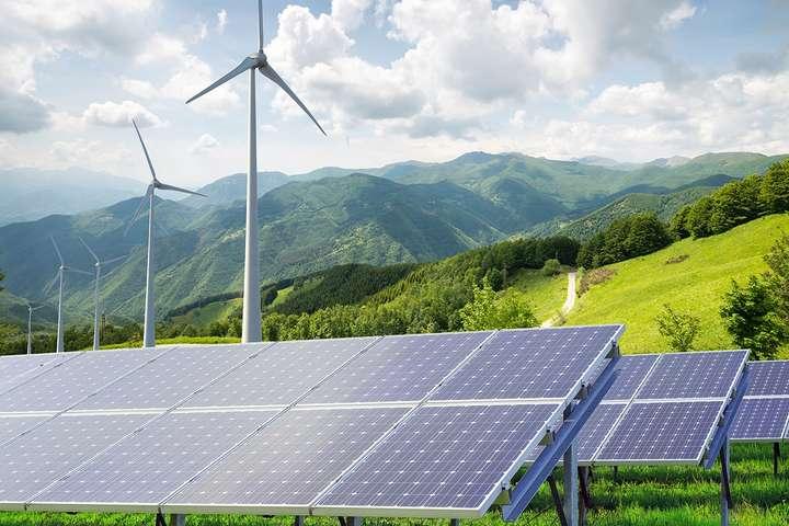 За совами профільного міністра, законопроєкт про «зелену» енергетику спрямований передусім на великі станції потужністю від 1 мегавату — В уряді запевняють, що закон про «зелену» енергетику не вплине на споживачів