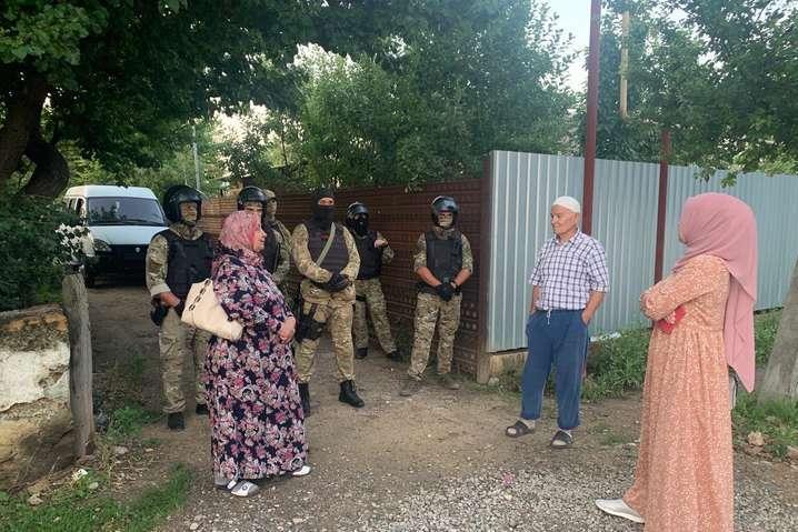 Обшуки у кримський татар 7 липня — Обшуки ФСБ у кримських татар: Нацполіція відкрила справу