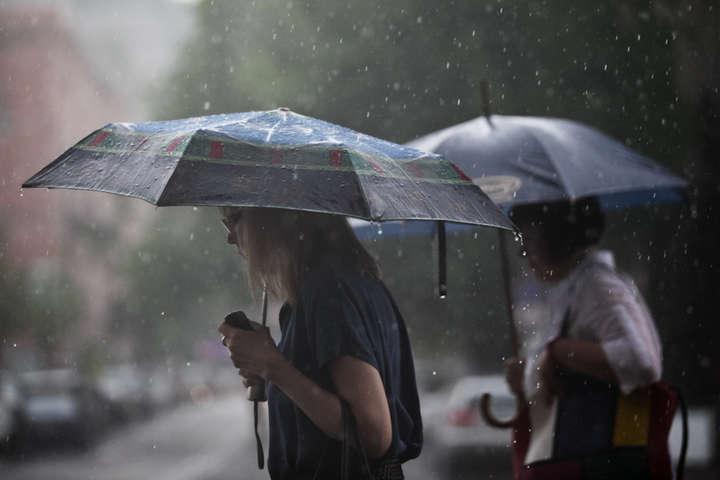 Дощі, грози та спека до +35: прогноз погоди в Україні на неділю
