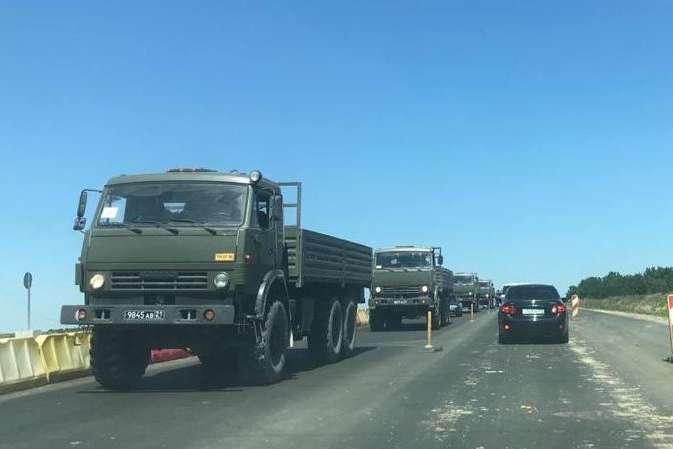 У Криму зафіксували колону військової техніки, яка рухалася в бік Сімферополя