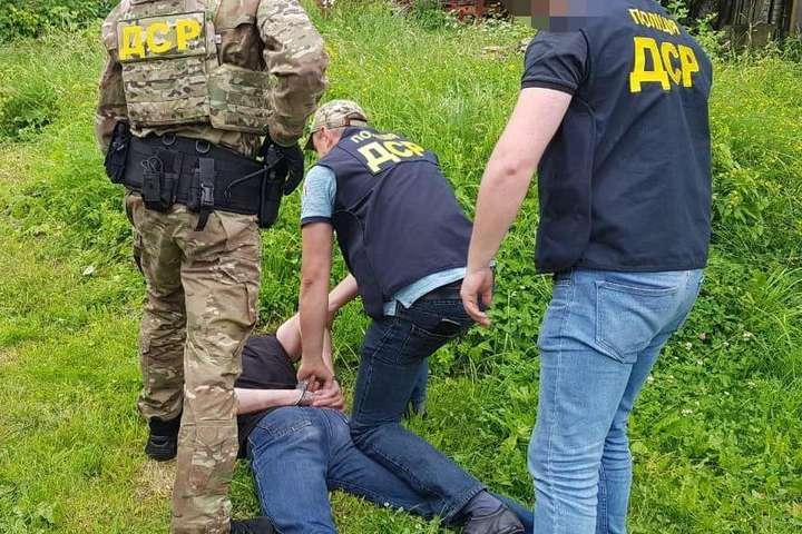 Підозрюваного у вбивстві затримали у м. Яремче — Поліція затримала кілера, який у Львові розстріляв чоловіка
