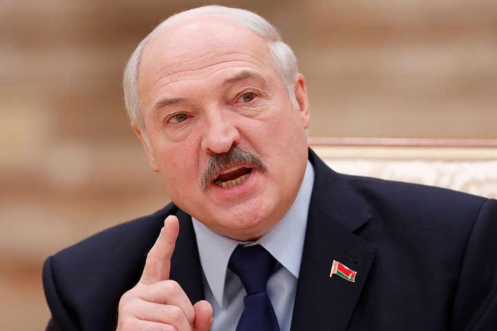 «Вони, звісно, винні, але не настільки, щоб відносно них вживати якихось жорстких заходів. Це солдати» - Лукашенко - Лукашенко вважає, що затриманих у Білорусі найманців не потрібно жорстко карати