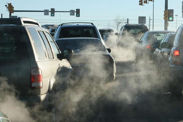 Основний внесок у забруднення повітря міста належить автотранспорту - У Києві зафіксований високий рівень забруднення повітря