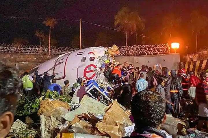 Авіакатастрофа літака Air India сталася в індійському місті Кожикоде - Внаслідок авіакатастрофи в Індії загинули 20 людей, 140 – поранені