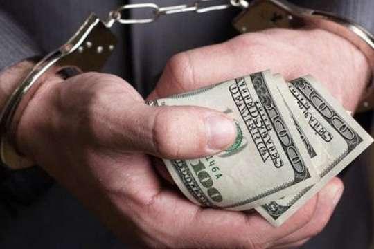 Керівник прокуратури та прокурор Полтавщини підуть за грати за хабар - $5 тис. за зміну кваліфікації злочину. Прокурори на Полтавщині постануть перед судом