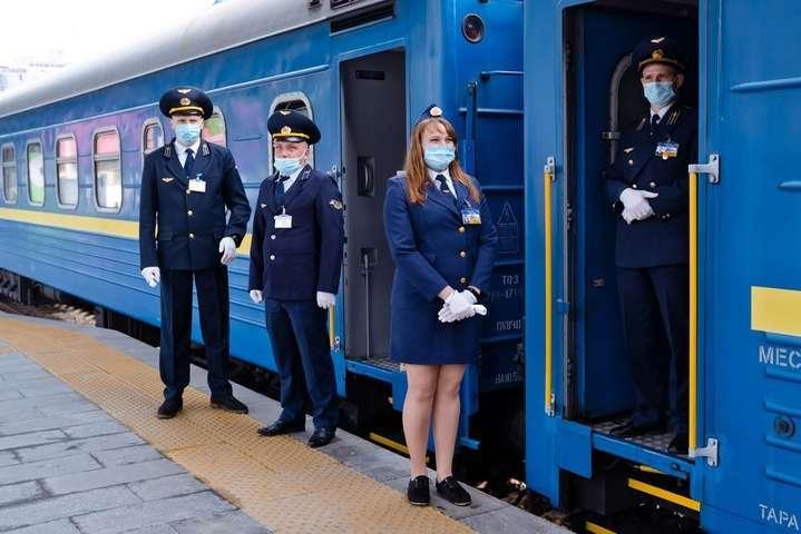 Потяг курсуватиме через день - «Укрзалізниця» відновить курсування потягу Київ-Запоріжжя