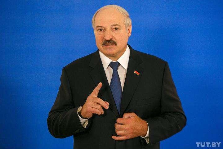 Олександр Лукашенко доручив перекинути бригаду десантників в Гродно - Лукашенко доручив перекинути бригаду десантників в Гродно