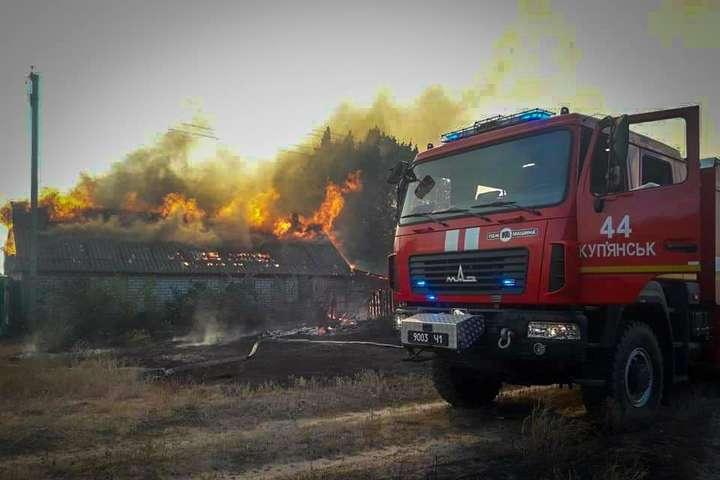 <p>Повністю згоріло село Гороб'ївка</p> — Пожежа на Харківщині: 500 гектарів лісу у вогні, повністю знищено село