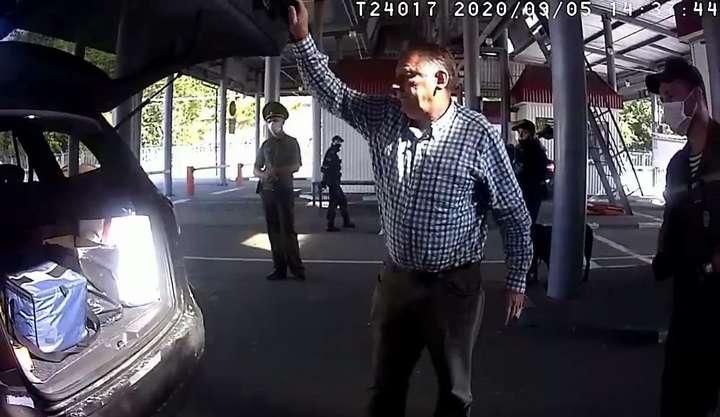 Білоруські прикордонники змусили українського дипломата вийти з машини і відкрити багажник авто - Держприкордонкомітет Білорусі стверджує, що авто посла України не оглядали