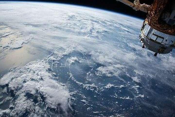 З метою уникнути можливого зіткнення МКС і супутника може бути запланований маневр ухилення - «Роскосмос» попередив про можливе зіткнення МКС з американським супутником