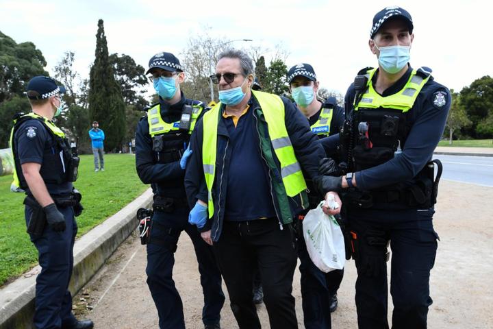 Тиждень тому на антикарантинну демонстрацію зібралося близько 200 людей - У столиці Австралії арештували 14 учасників актикарантинної акції