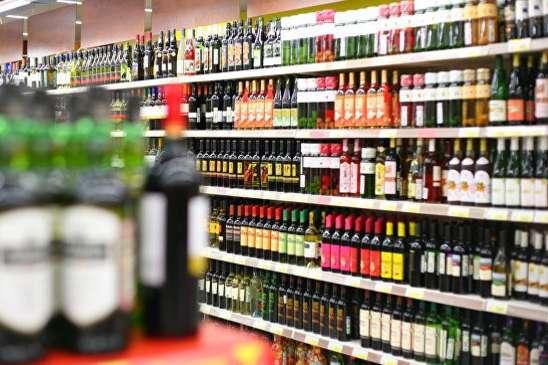 Сьогодні в Україні вже діє заборона на продаж алкоголю у нічний час. Однак обмежень на реалізацію тютюнових виробів немає - В Україні хочуть заборонити продаж алкоголю та цигарок у нічний час