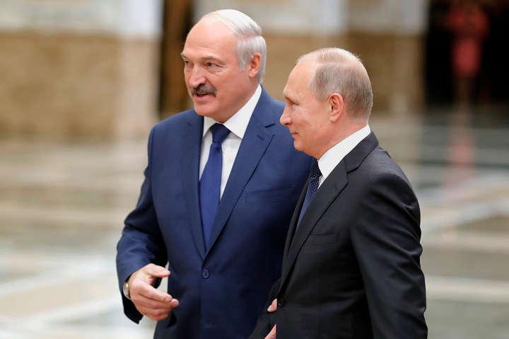 Зловісний знак: Лукашенко 14 вересня їде на уклін до Путіна в Сочі