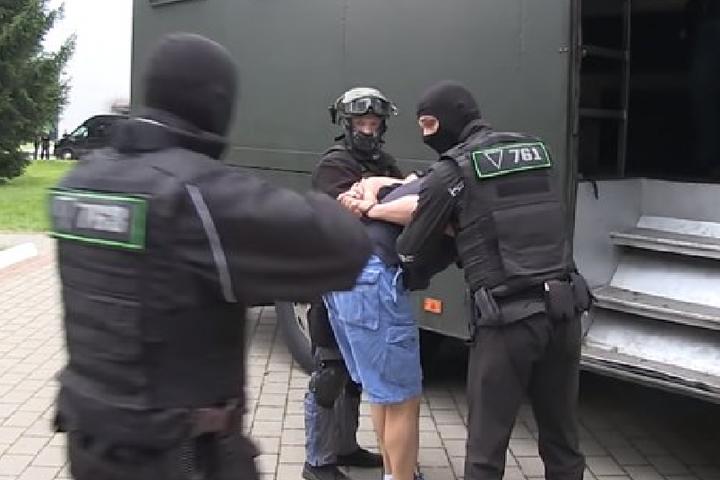 <p>Вночі 29 липня в Білорусі були затримані&nbsp;32 іноземних бойовиків</p> <p> — СБУ відкрила кримінальне провадження у справі «вагнерівців», – Гончаренко»></p></div> <div class=