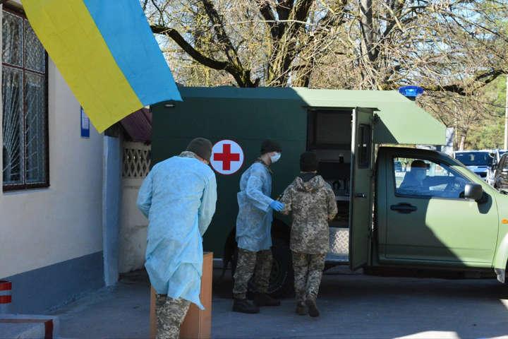 <p>Всього за час пандемії у ЗСУ померло шість військовослужбовців</p> <p> — У Збройних силах за добу коронавірус підтвердили у 36 військовослужбовців»></p></div> <div class=