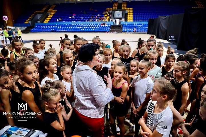 Дитина в ері гаджетів - Відома тренерка розказала про згубний вплив смартофонів та соцмереж на юних спортсменів
