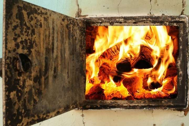 Державна монополія погрожує зупинити постачання газу контрагентам - Опалювальний сезон. Регіони просять вогню!