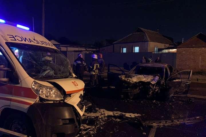 Водій KIA вилетів на зустрічну смугу руху та допустив зіткнення з машиною швидкої допомоги - У Харкові «швидка» з вагітною жінкою потрапила в ДТП: є постраждалі