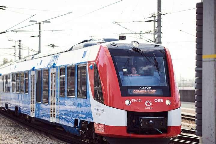 <p>Водневий електропоїзд компанії Alstom</p> <p>&nbsp;</p> <p> — В Австрії запущений перший водневий поїзд»></p></div> <div class=