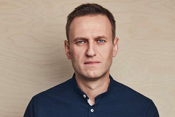 <p>Організація із заборони хімічної зброї також отримала зразки і вживає заходів для їх тестування у своїх лабораторіях</p> <p> — Три лабораторії підтвердили, що Навального отруїли «Новачком»»></p></div> <div class=