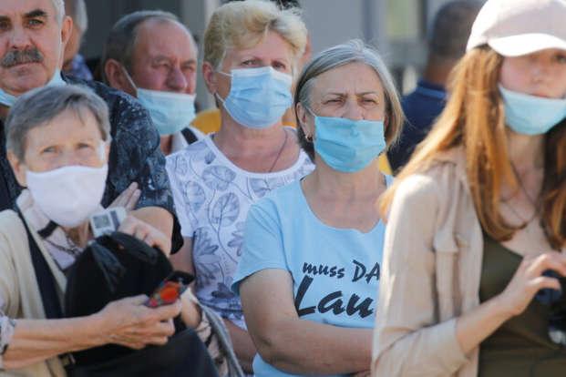 Зростання кількості хворих – проблема не лише України - Коронавірус в Україні. Що кажуть останні цифри і чи варто панікувати?