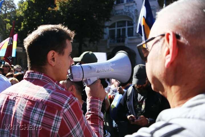 Фото:Watchers.Media - Під Радою розлючені активісти вимагали створити ТСК щодо справи «вагнерівців» (фото)