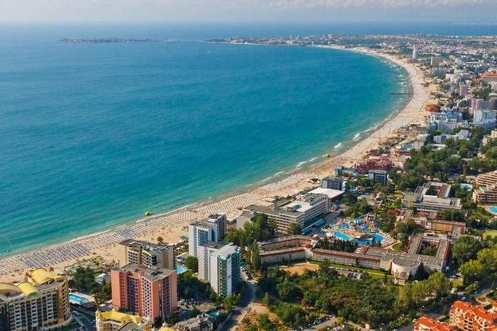 <p>Українець потонув на курорті Сонячний берег</p> <p> — У МЗС підтвердили загибель українця на курорті в Болгарії»></p></div> <div class=
