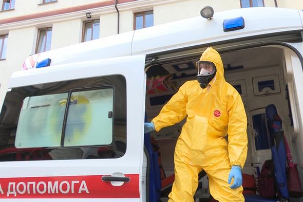 У бригад швидкої допомоги щодня додається роботи - Оперативні дані МОЗ: за добу виявлено ще 2958 інфікованих коронавірусом