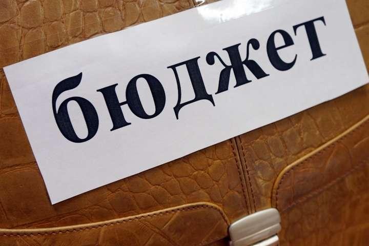 На Україну очікує бюджет друкарського верстата