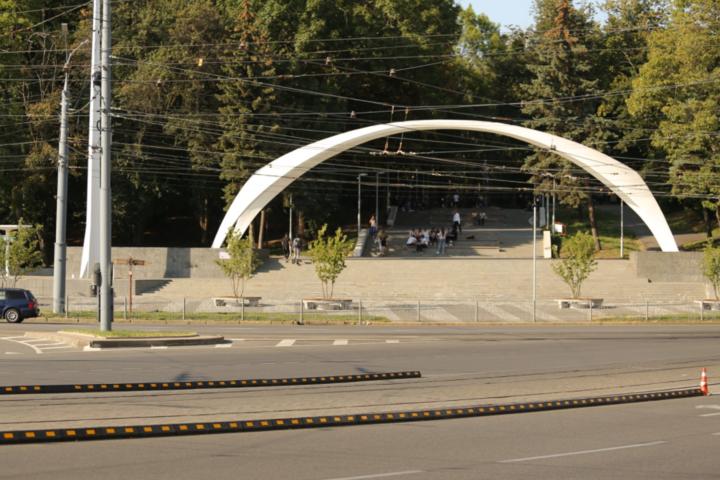 На площі Гагаріна зміниться схема дорожнього руху