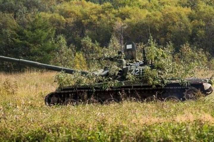 Десять ворожих танків виявлено поблизу Покровки - Місія ОБСЄ зафіксувала десятки ворожих танків і «Градів» біля лінії розмежування