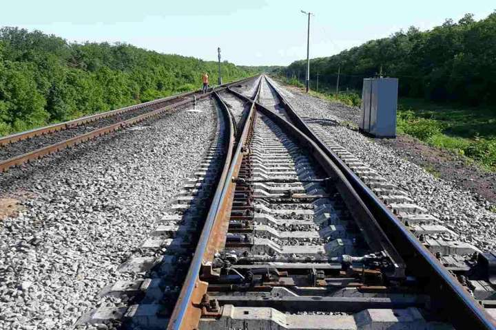 Податок на землю під залізничним полотном необхідно скасувати, — експерт