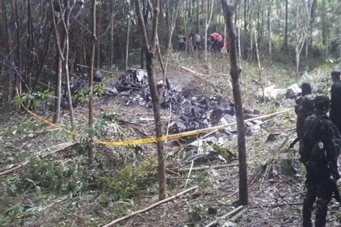 <p>Тіла чотирьох військових були виявлені на місці катастрофи</p> <p> — На Філіппінах розбився військовий вертоліт, є загиблі»></p></div> <div class=