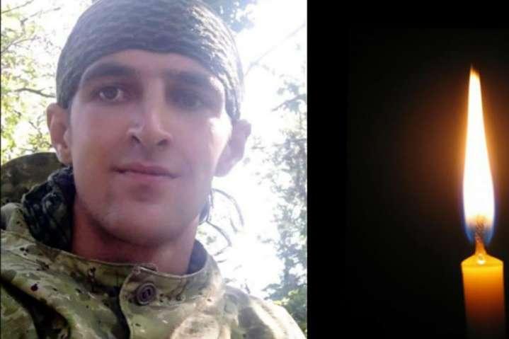 <p>Роман Червінський народився 1991 року, мешкав у місті Яворів</p> <p> — Стало відоме ім'я військового, який загинув на Донбасі 16 вересня»></p></div> <div class=