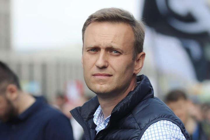 «Якимбув мотив для російської влади труїти Олексія Навального, враховуючи, що його реальний рівень популярності навряд чи досягає 2%», заявили в Росії - Росія направила ЄС список «невідповідностей» у справі отруєння Навального