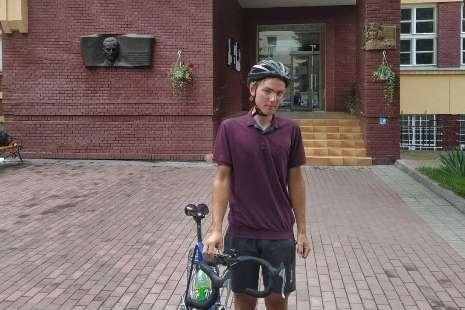 Абітурієнт проїхав 500 км на велосипеді, щоб подати документи в університет