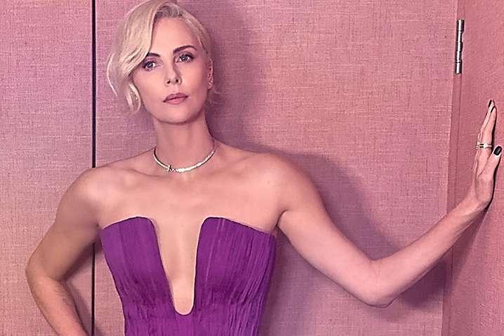Актриса Шарлиз Терон - Шарлиз Терон призналась, что уже пять лет не занималась сексом с мужчиной