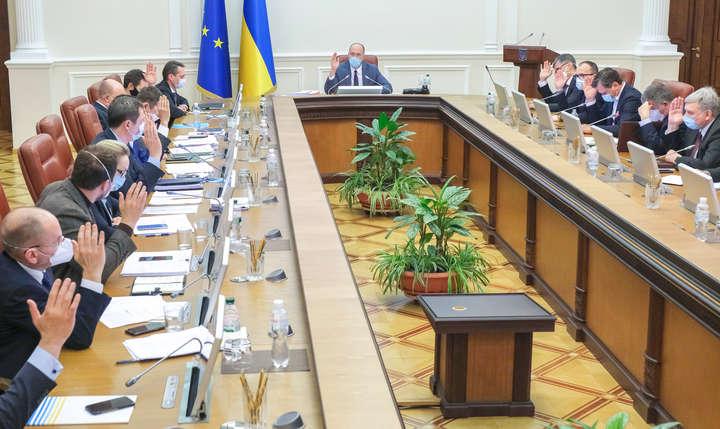 Уряд реагує на Covid-19, як політбюро на Чорнобиль