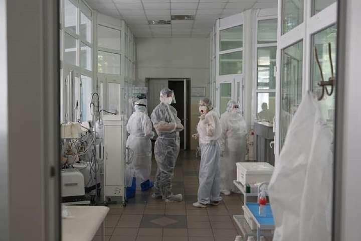 За пів року кількість «коронавірусних» ліжок в Україні збільшили втричі - Степанов: ситуація з поширенням коронавірусу в Україні досить напружена