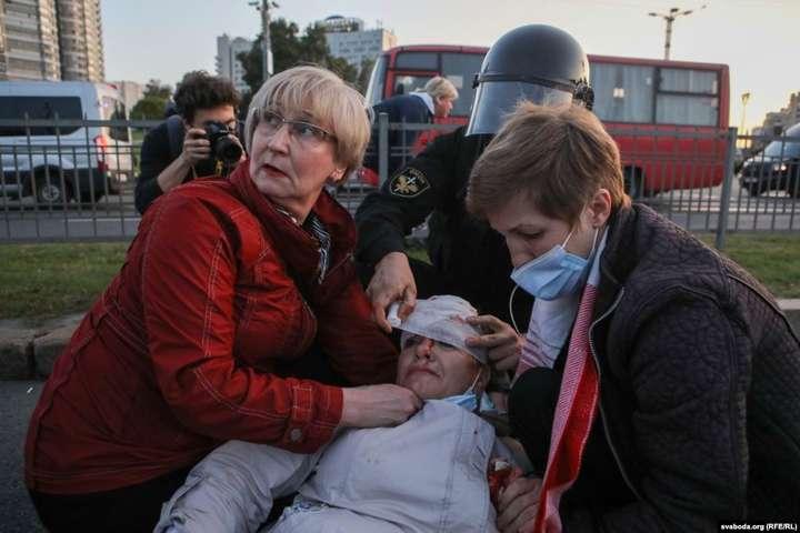 На мітингу у Мінську протестувальників вчергове побили омонівці Лукашенка. 23 вересня 2020 року — Політолог Валерій Карбалевич: Росія пропонує білоруському суспільству компроміс