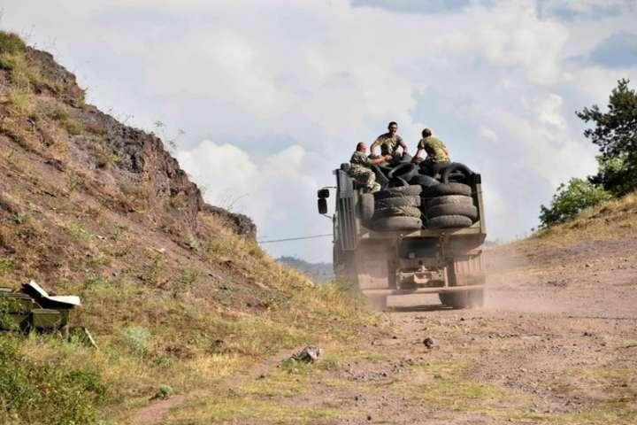 У Єревані стверджують, що Ізраїль постачаєозброєння Азербайджану для ведення бойових дій у Нагірному Карабасі - Вірменія звинуватила Ізраїль у постачанні зброї до Азербайджану та відкликала посла