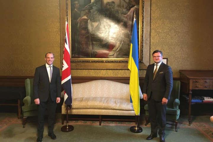 Кулеба запросив Британію приєднатися до Кримської платформи — Кулеба запросив Британію приєднатися до Кримської платформи