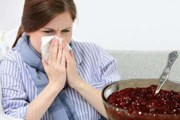 Малиновое варенье только навредит. Диетолог – о правильном питании во время пандемии