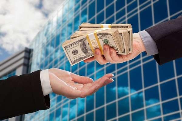 Життя у кредит. Захід роздратований фінансовими справами України