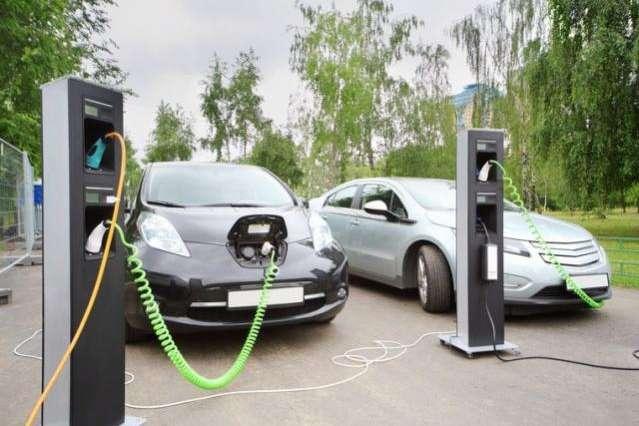 Відмова від транспорту, що працює на викопному паливі, неминуча, — експерти — Експерти спрогнозували вартість електрокарів до 2024 року