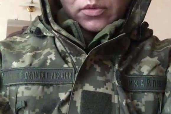 «Слуги народу» потрапили у скандал через військову форму на Донбасі